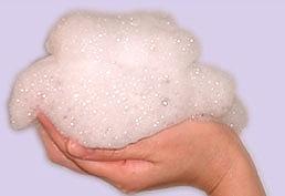 真っ白なムース状の泡